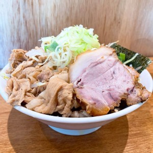 丸の内|名古屋でここだけ?!ボリューム満点の○○系うどんが食べられるお店