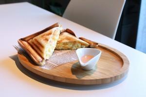 東山公園|最後のひとくちまで贅沢!ホットプレスサンドが美味しいスイスカフェ