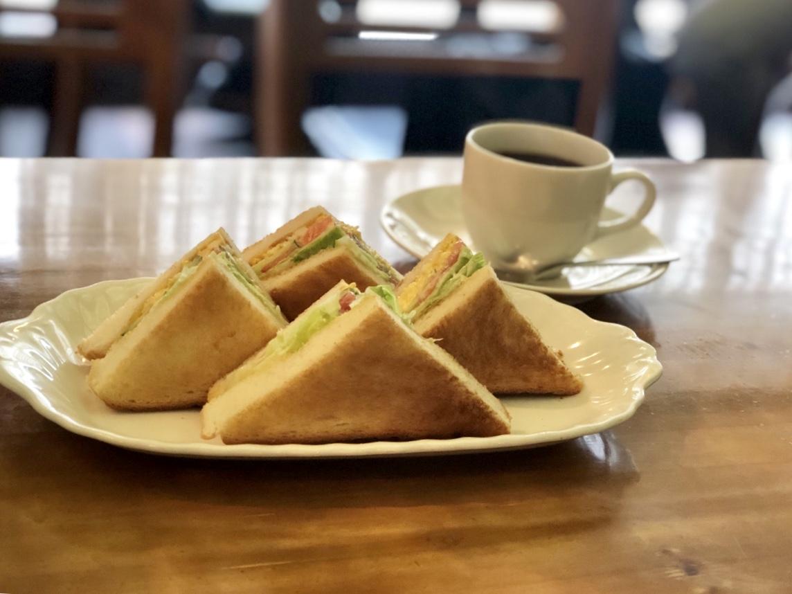 伏見|店名がわからない?「coffee」の看板が可愛いレトロな純喫茶
