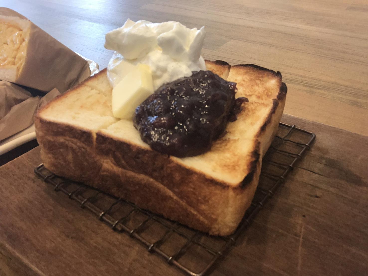 尼ケ坂|食パン専門店!イートインでもテイクアウトでも楽しめる贅沢カフェ