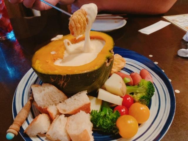 名駅|チーズ×野菜ソムリエの育てる野菜がいつでも楽しめるダイニングバー