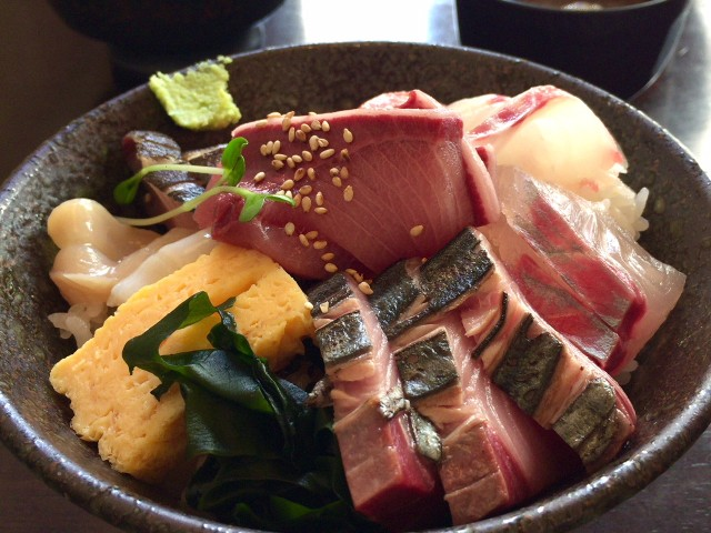伏見|豪華な海の幸が詰まった丼が驚きのお値段で食べられる海鮮店