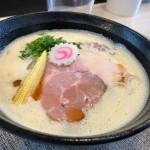 堀田|実力派ラーメン店のDNAとオリジナリティを注ぎ込んだ海老の香り豊かなラーメン