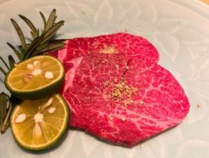 栄 完全個室でいただく、「日本一」と称される和牛を使用した高級焼肉店