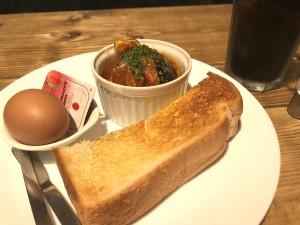 栄生 最寄駅から徒歩1分!ひとりでも入りやすいアットホームな雰囲気のカフェ