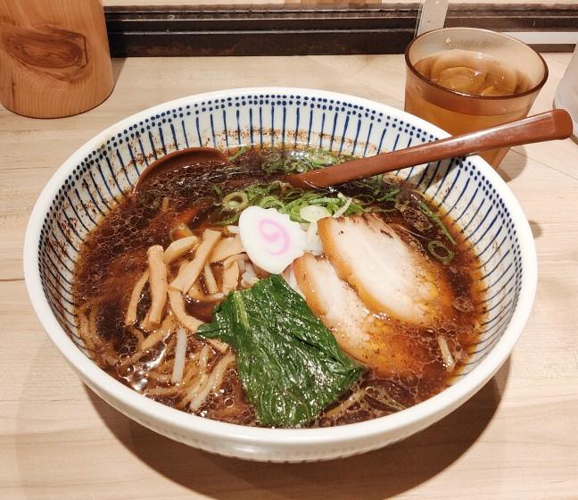 名古屋|仕事帰りにもぴったり!駅ナカのラーメン街でいただく濃厚スープが決め手の札幌ラーメン専門店