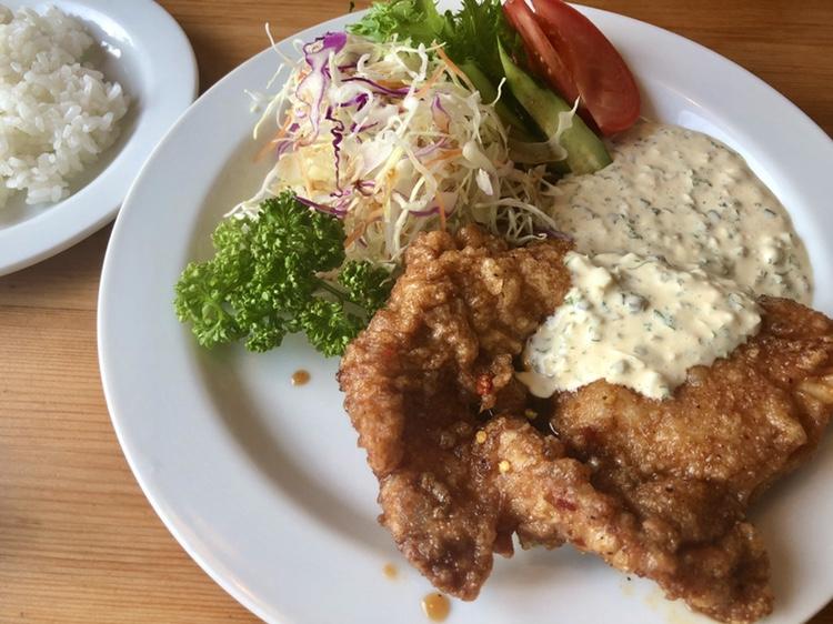 一社|ボリューム満点のガッツリランチ!居心地のいい空間と食欲を満たすランチが人気の洋食店