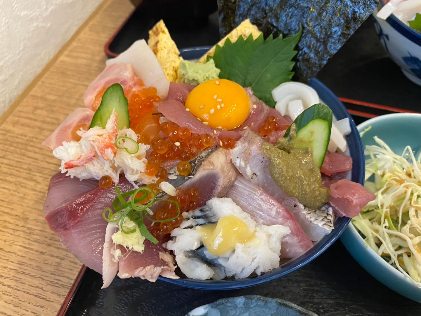 有松|有松駅すぐ!40年続く和食屋さんでいただく贅沢海鮮丼ランチ