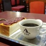 亀島|昭和44年創業。山小屋をイメージしたノスタルジックな純喫茶でまったりモーニング