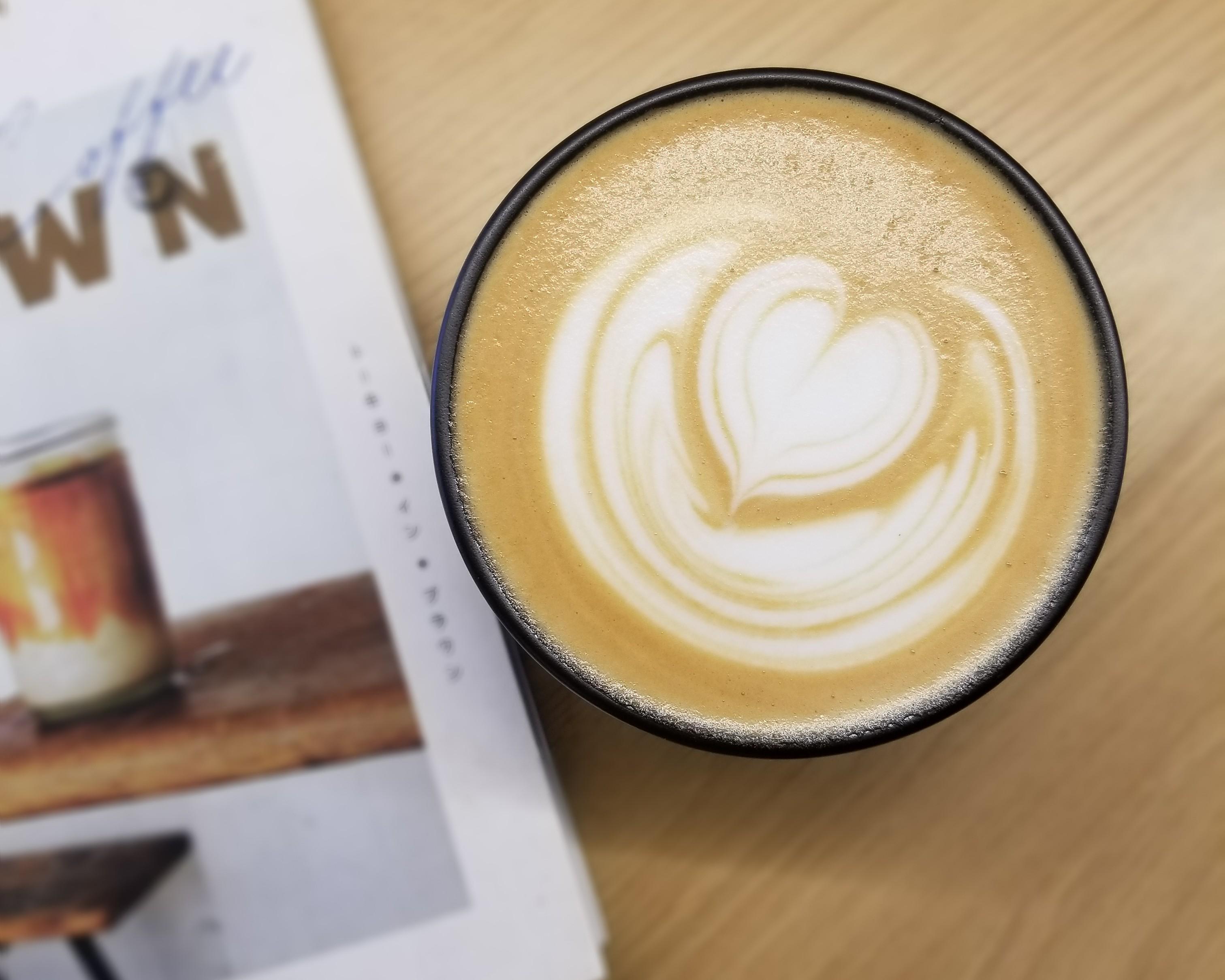 国際センター|浅煎り豆の風味豊かな香りを楽しめる隠れ家コーヒースタンド