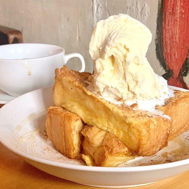 国際センター 目も心も奪われる!フレンチトーストが魅力的な隠れ家カフェ