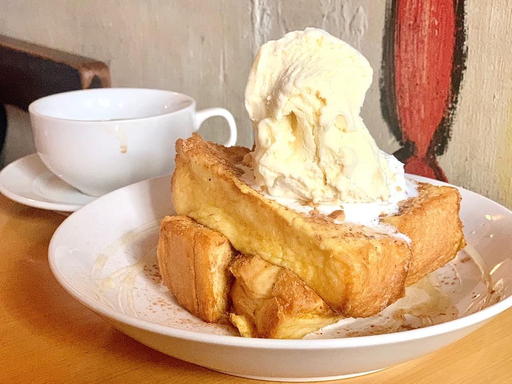 国際センター|目も心も奪われる!フレンチトーストが魅力的な隠れ家カフェ