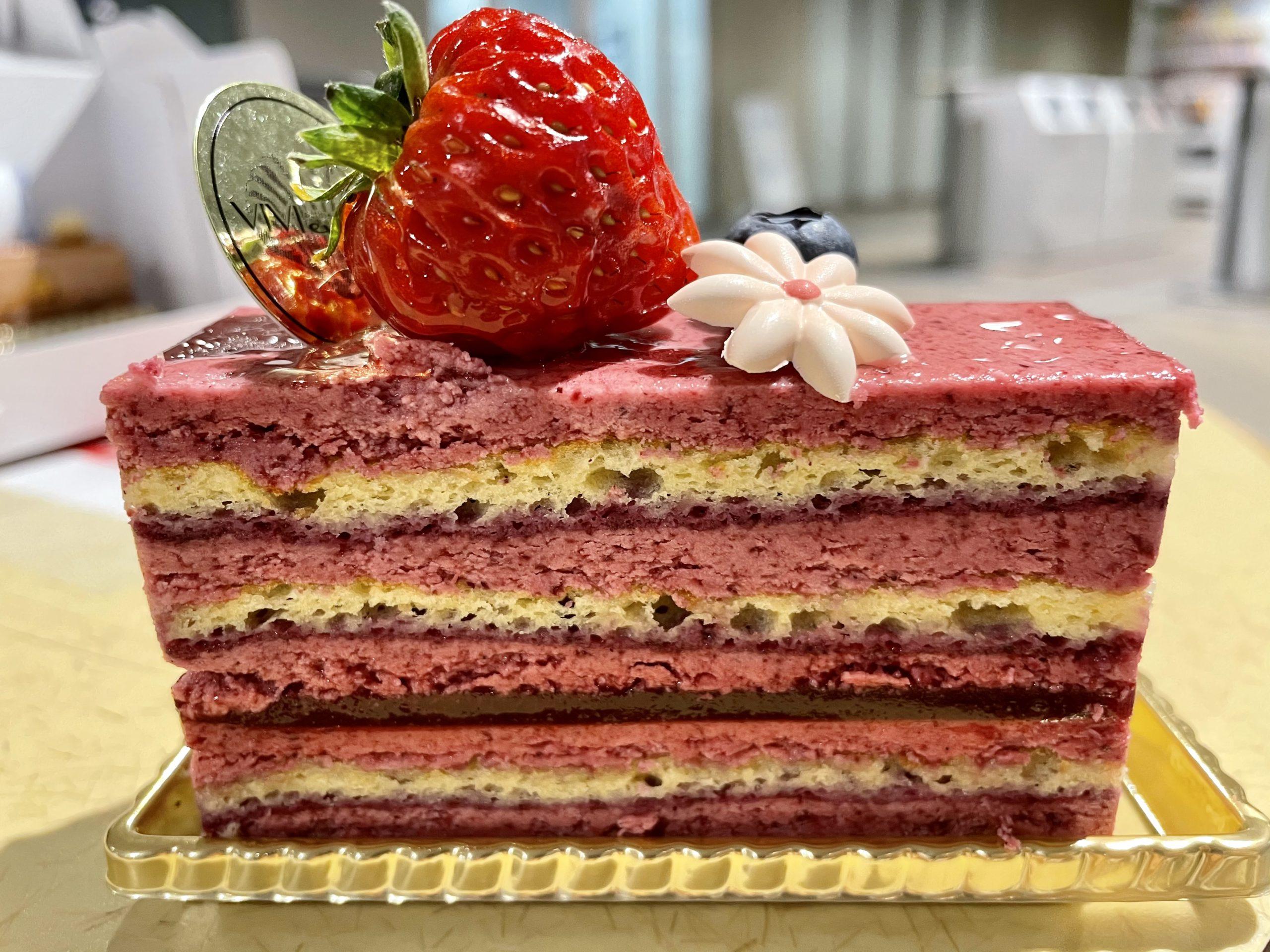 八事日赤|芸術品のように美しい上品なケーキが楽しめるテイクアウト専門の洋菓子店