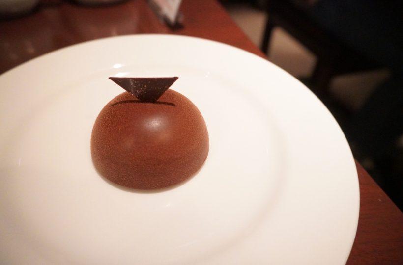 名駅|世界的にも珍しい!高級チョコレートがいただける大人の雰囲気漂うイートインカフェ