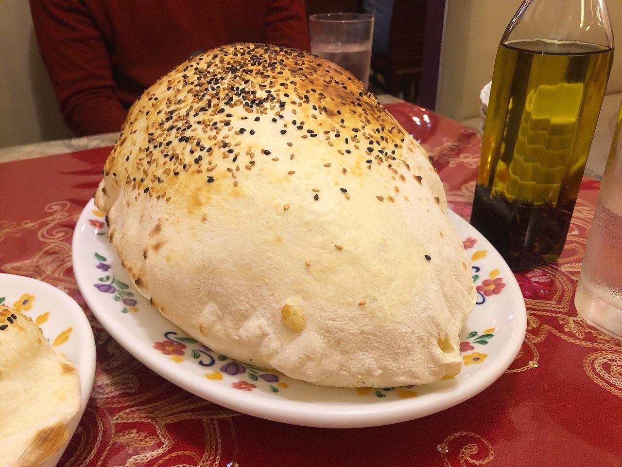高岳|見た目もおもしろい!風船のようにプクプク膨らんだパンとケバブランチが美味しいトルコ料理専門店
