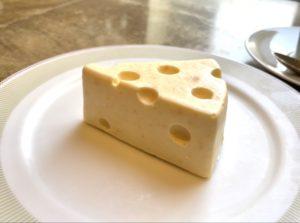 名駅|まるでアニメの世界!絵画のようなチーズケーキが食べられる景色のいいカフェ