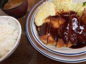 岩塚|注目は揚げずに鉄板で焼きあげた香ばしい焼きとんかつ!1954年創業の老舗の味が楽しめる定食屋