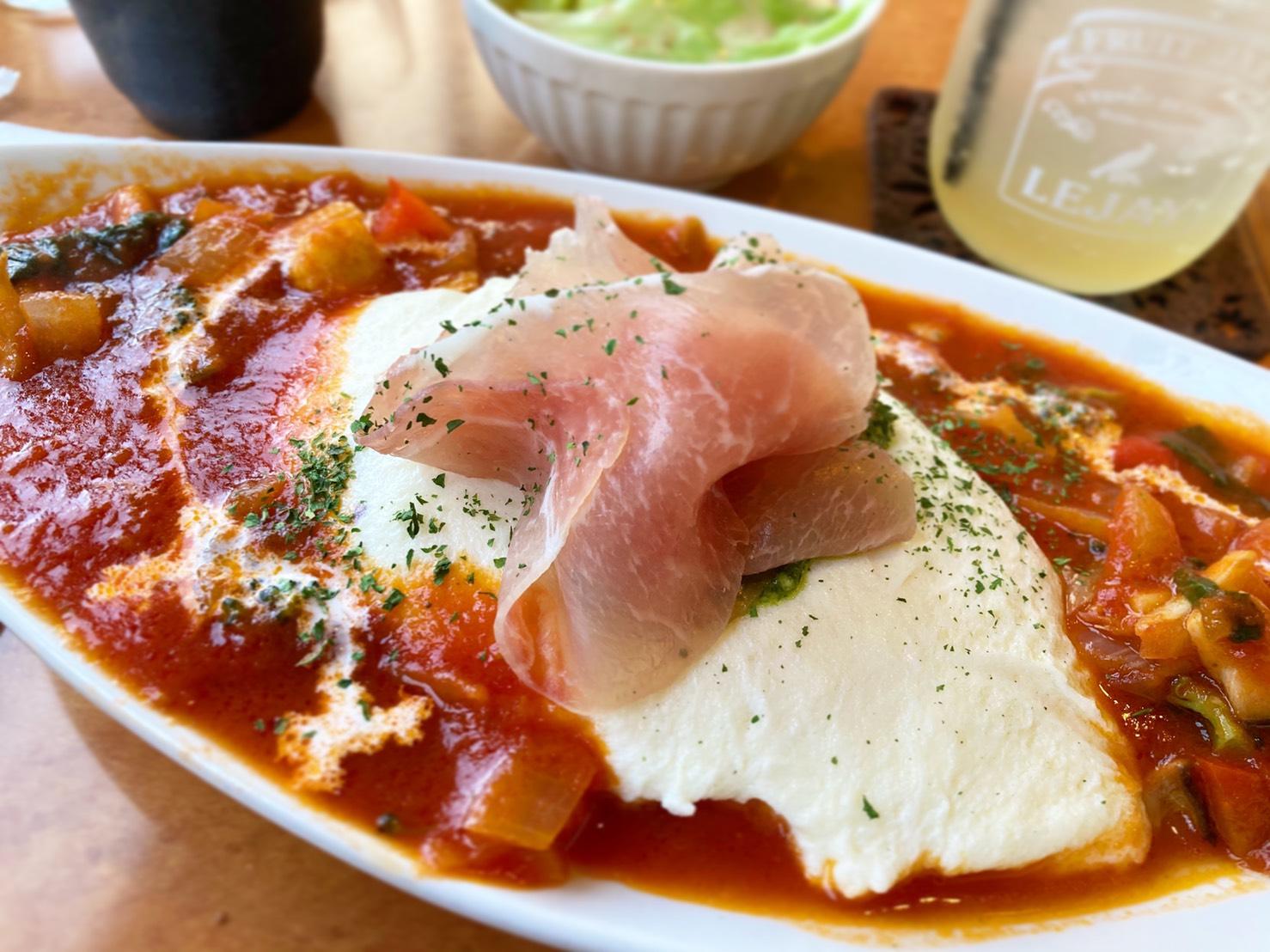 春田|栄養豊富な希少卵を使用した数量限定オムライスは色とりどり!?70を超えるランチメニューが楽しめるカフェレストラン