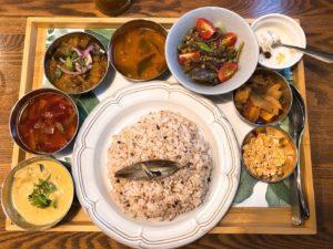 新栄 ヴィーガンの方も安心!こだわり野菜と南インドベースのメニュー豊富なスパイスカレー専門店