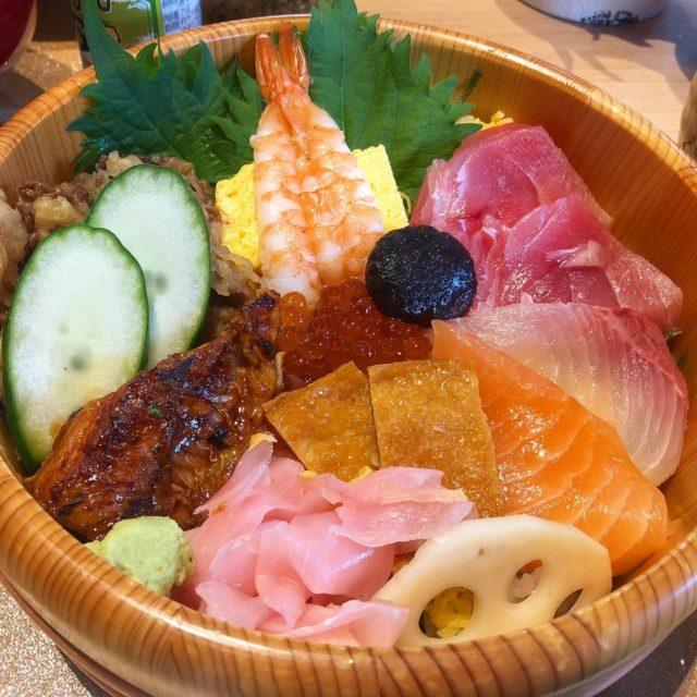 池下|注目のセントラルガーデンにて!目でも楽しめるちらし寿司ランチ