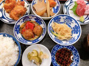 伏見|これだけ食べて900円!?居酒屋が出す人気激安ランチ定食が美味しい!